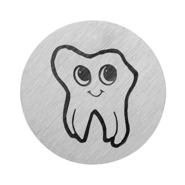 Zahn mit Gesicht